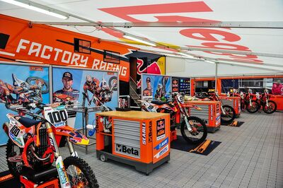 Customizing motor sport awning, customizing race awning, customizing vehicle awning