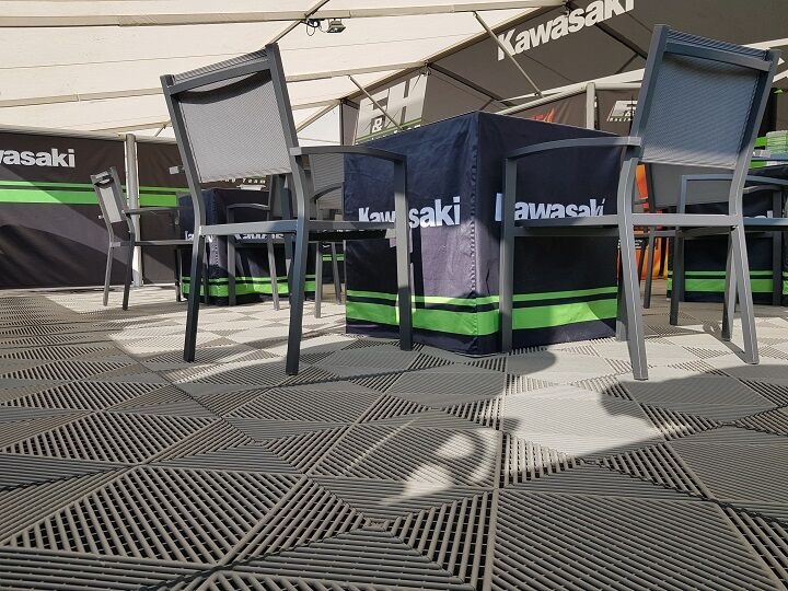 Race awings / motor sport awnings with floor tiles