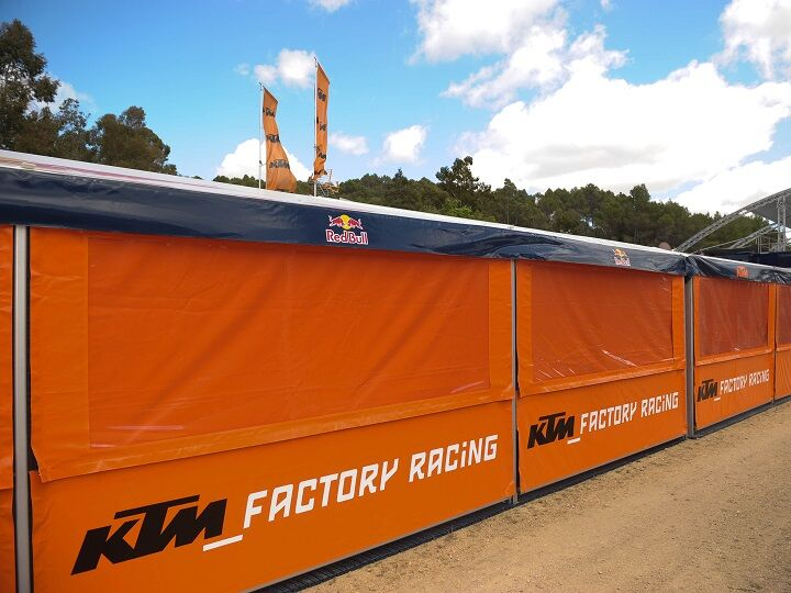 Race awings / motor sport awnings with arapet and printed valance